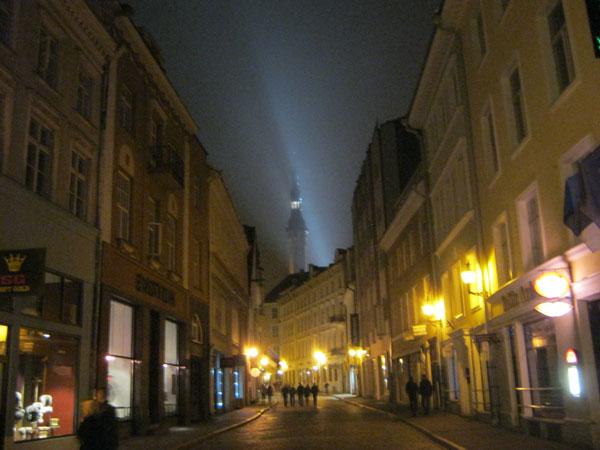 3 Tallinna by night